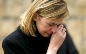 Плачущая мать